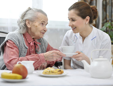 caregiver-with-woman